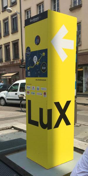 Photo totem LUX signalétique