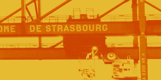 photo grue de chargement du Port Autonome de Strasbourg